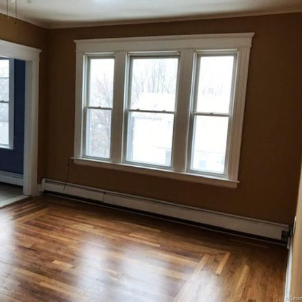 Rent this 4 bed townhouse on 126 Wall Street in Waterbury, CT 06705