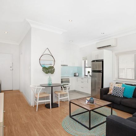 Rent this 2 bed apartment on 11/89 Roscoe Street