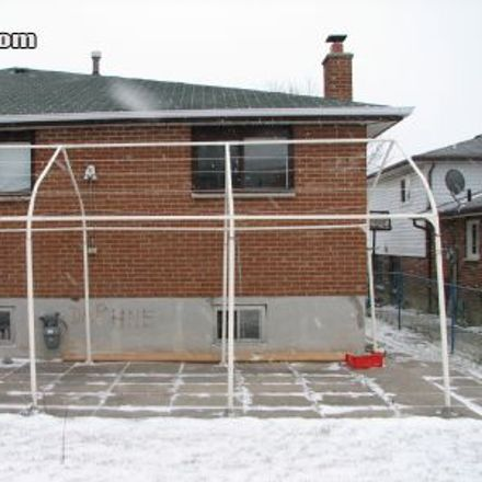 Rent this 5 bed house on 3775 Keenan Crescent in Mississauga, ON L5C 2V1