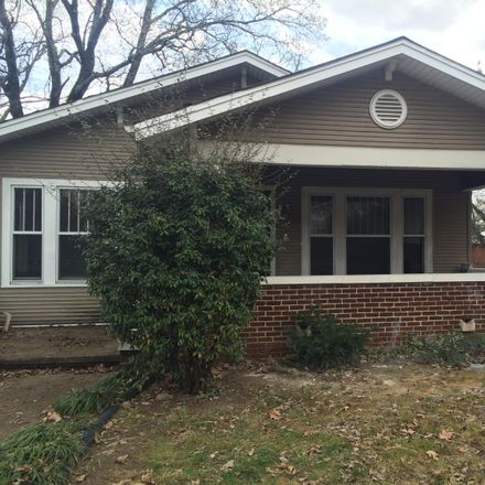 Rent this 3 bed house on 810 Barton Avenue in Chattanooga, TN 37405