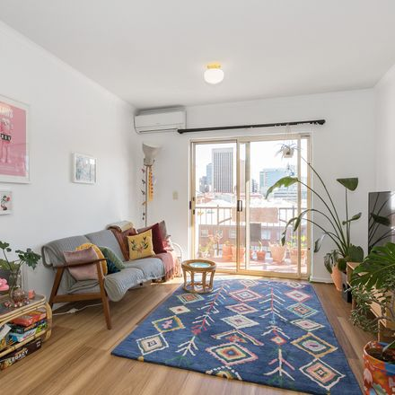 Rent this 2 bed apartment on 30/81 Carrington Street