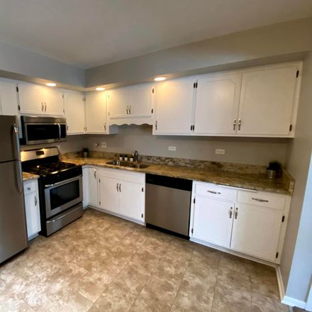 Rent this 2 bed townhouse on 7336 Paradise Lane in Orland Park, IL 60462