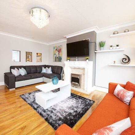 Rent this 3 bed apartment on Tewkesbury Road in Manchester M40 7DH, United Kingdom