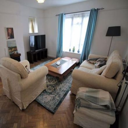 Rent this 1 bed apartment on Springbank Clinic in 13 Pembroke Road, Sevenoaks TN13 1XR