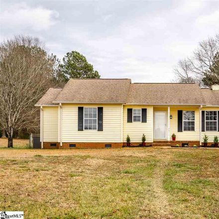 Rent this 3 bed house on 3011 Quail Ridge Road in Stonehaven, SC 29625