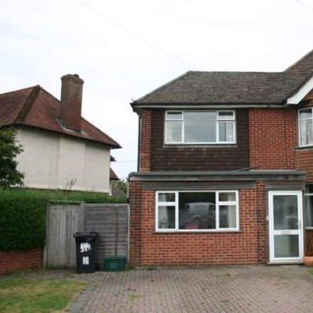 Rent this 3 bed house on Bath Road in Thatcham RG18, United Kingdom