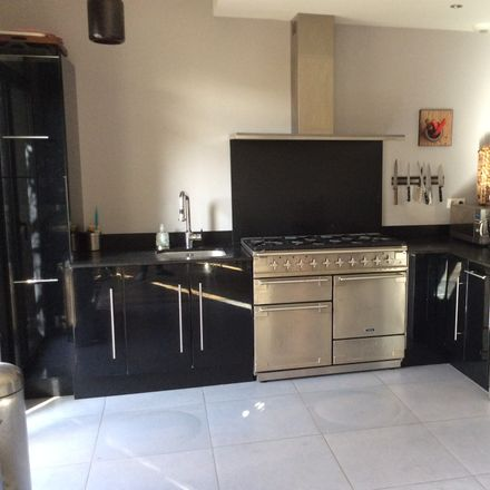 Rent this 3 bed room on 10 Rue Alléon Dulac in 42100 Saint-Étienne, France