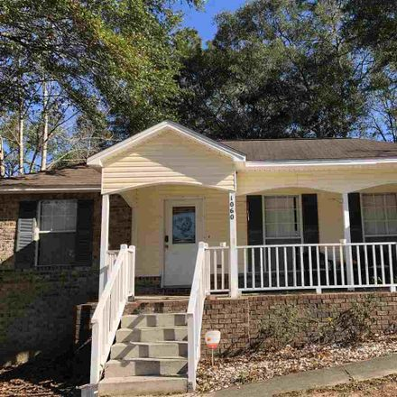 Rent this 3 bed house on Cobblestone Dr in Pensacola, FL