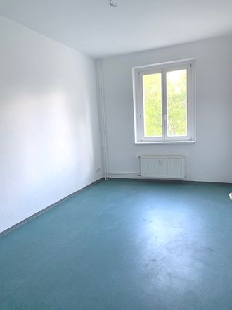 Rent this 3 bed apartment on Berliner Allee 23b in 15806 Zossen, Germany