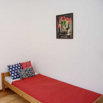 Rent this 6 bed room on Niska 14 in 31-306 Krakow, Poland