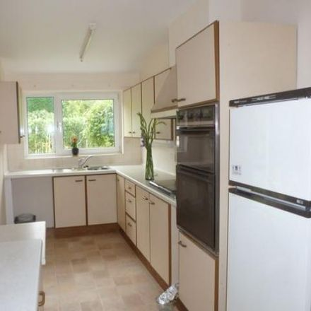 Rent this 3 bed house on St Polycarp's Catholic Primary School in Waverley Lane, Waverley GU9 8BQ