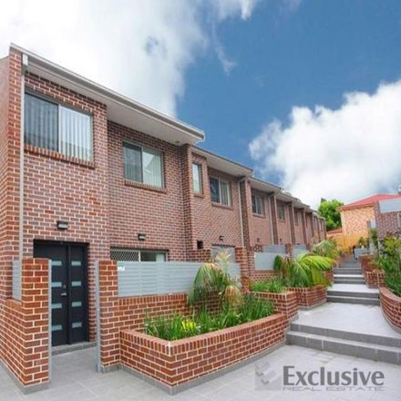 Rent this 3 bed townhouse on 14/107 Adderton Road