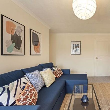 Rent this 3 bed apartment on Shuter Square in London W14 9XW, United Kingdom