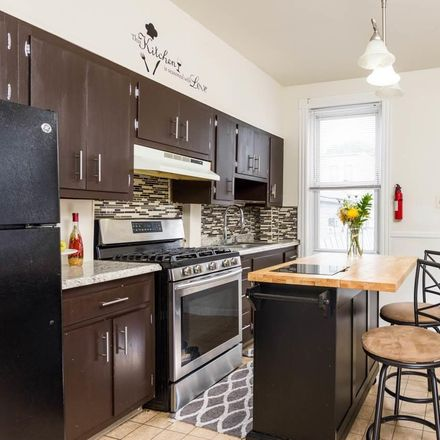 Rent this 3 bed apartment on 76 West 53rd Street in Bayonne, NJ 07002