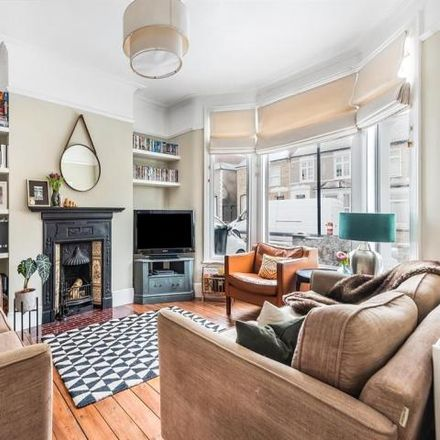 Rent this 3 bed house on Braidwood Road in London SE6 1QU, United Kingdom
