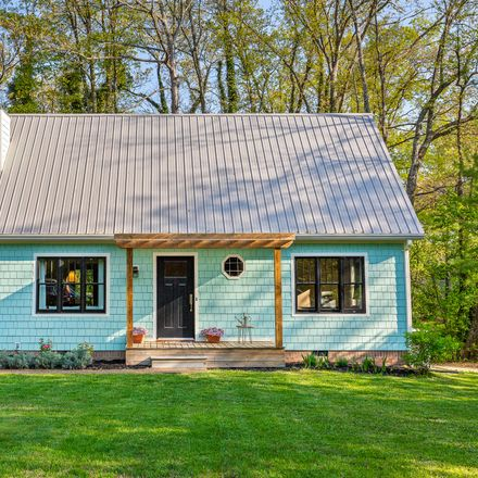 Rent this 3 bed house on 721 Texas Avenue in Signal Mountain, TN 37377