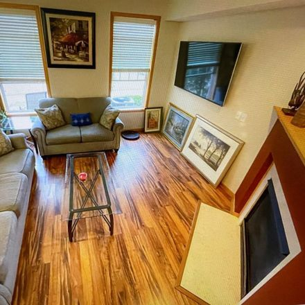 Rent this 3 bed loft on 1613 Legacy Parkway in Maplewood, MN 55109