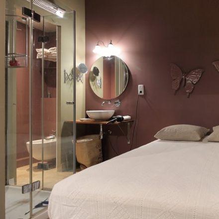 Rent this 1 bed apartment on Taperia Princesa in Carrer de la Princesa, 20