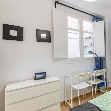 Rent this 3 bed apartment on Carrer del Riuet in 46011 Valencia, Spain