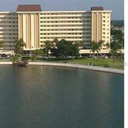 Rent this 2 bed condo on Cove Cir in Saint Petersburg, FL