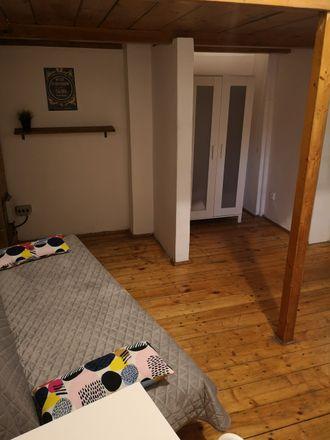 Rent this 3 bed room on Zwierzyniecka 8 in 33-332 Kraków, Polska