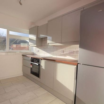 Rent this 2 bed apartment on Arundel Court in Langley SL3 7NP, United Kingdom