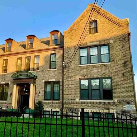Rent this 1 bed apartment on Summit Ave in Jersey City, NJ