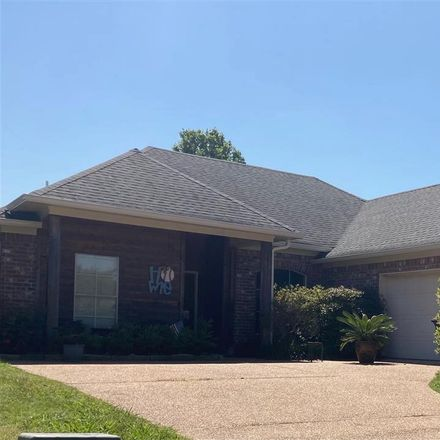 Rent this 3 bed house on Pinebrook Cir in Brandon, MS