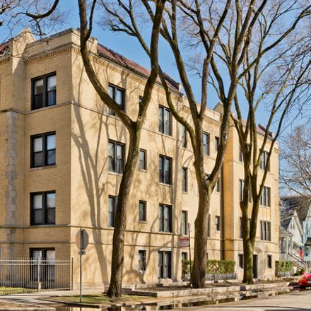 Rent this 3 bed townhouse on 3751-3753 North Marshfield Avenue in Chicago, IL 60613