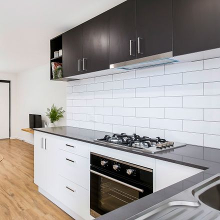 Rent this 2 bed apartment on 8/1A Stephens Avenue