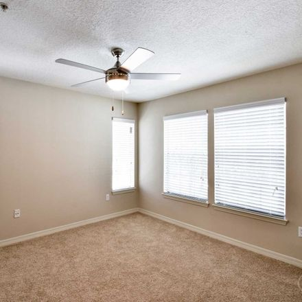 Rent this 1 bed apartment on Lake Underhill in Lake Underhill Road, Orlando