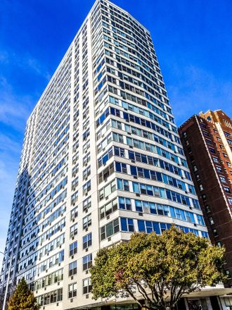 Rent this 1 bed condo on 3900 North Lake Shore Drive in Chicago, IL 60613