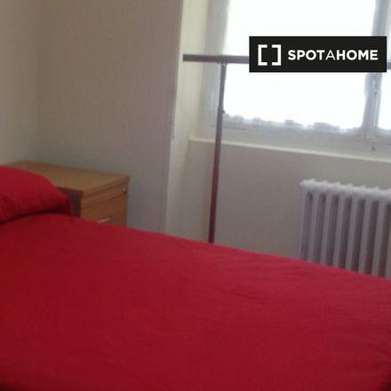 Rent this 6 bed apartment on Plaza de la Virgen del Trabajo in Avenida Veinticinco de Septiembre, 28001 Madrid