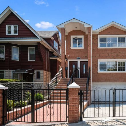 Rent this 7 bed house on Forest Parkway in New York, NY 11421