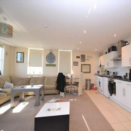 Rent this 2 bed apartment on The Centre in High Street, Wealden BN26 6DU