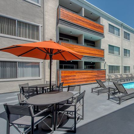 Rent this 1 bed apartment on 971 North Ontario Street in Burbank, CA 91505