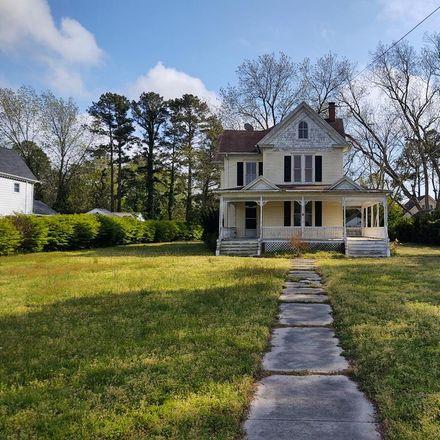 Rent this 3 bed house on 98 Market Street in Onancock, VA 23417