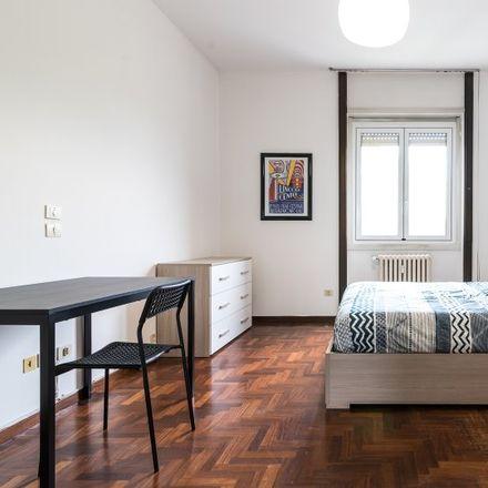 Rent this 5 bed room on Viale Fulvio Testi in 20162 Milan Milan, Italy
