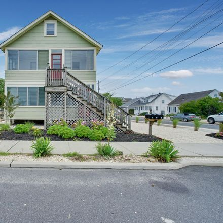 Rent this 3 bed apartment on Northeast Central Avenue in Seaside Park, NJ 08752