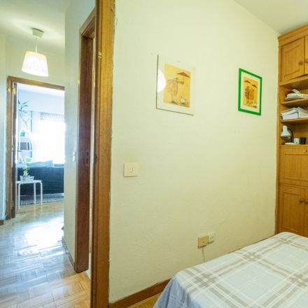 Rent this 2 bed apartment on Calle de Ferrer del Río in 9, 28028 Madrid