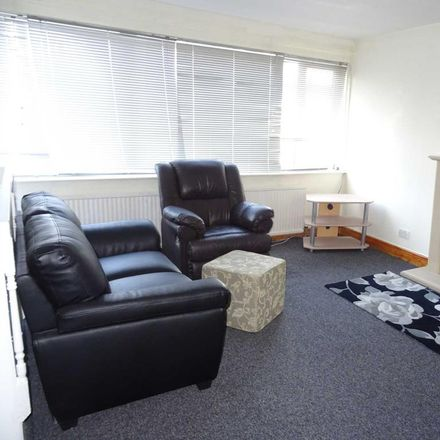 Rent this 4 bed apartment on Roundhey in Stockport SK8 3JP, United Kingdom