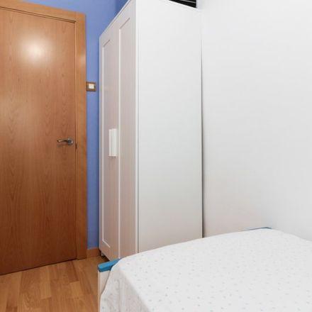 Rent this 3 bed apartment on IES Lluís Vives in Carrer de la Riera Blanca, 08094 l'Hospitalet