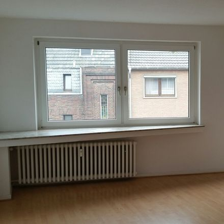 Rent this 3 bed apartment on Pongser Straße 296 in 41239 Mönchengladbach, Germany
