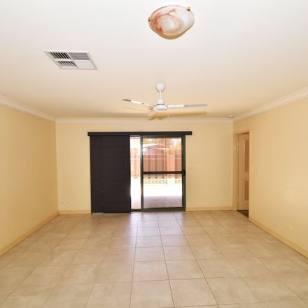 Rent this 3 bed apartment on 2/1 Tilmouth Court