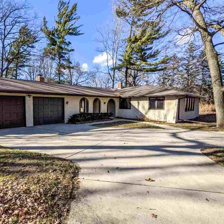 Rent this 3 bed house on 137 Colt Court in Green Bay, WI 54302
