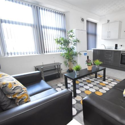 Rent this 4 bed apartment on 119-119A Crwys Road in Cardiff CF24 4NG, United Kingdom