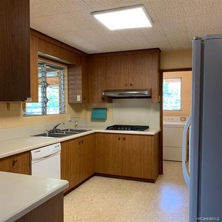 Rent this 3 bed house on Honolulu