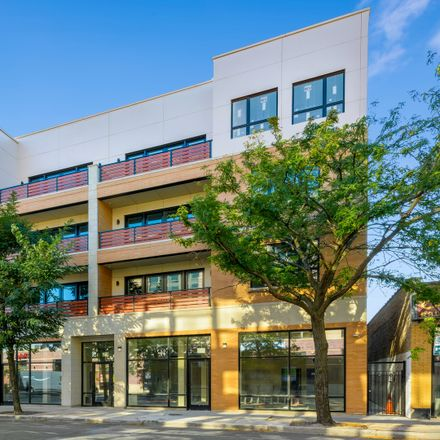 Rent this 3 bed condo on 4020-4024 North Lincoln Avenue in Chicago, IL 60618-9997