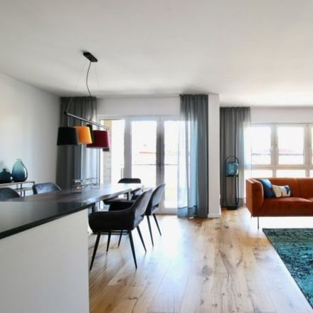 Rent this 2 bed apartment on Hohenstaufenring 39 in 50674 Cologne, Germany