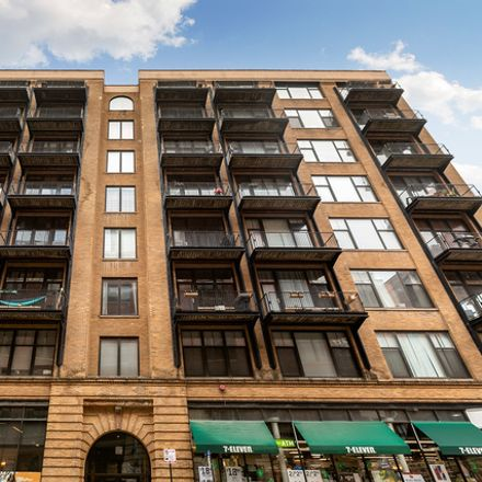 Rent this 2 bed loft on Capitol Hill Lofts in 625 West Jackson Boulevard, Chicago